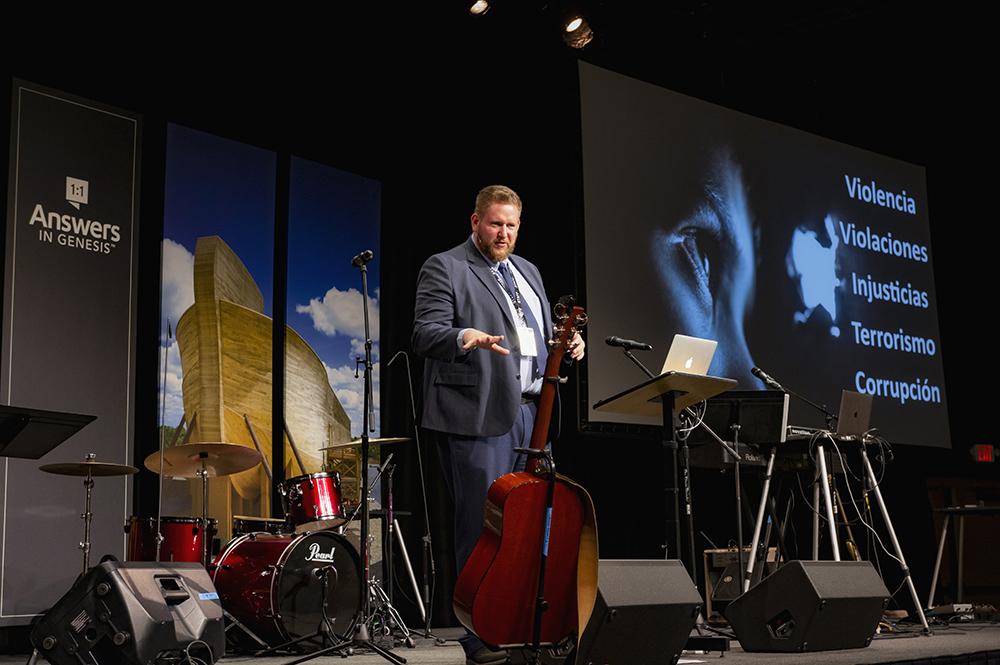 Joe Owen Speaking at Día Latino